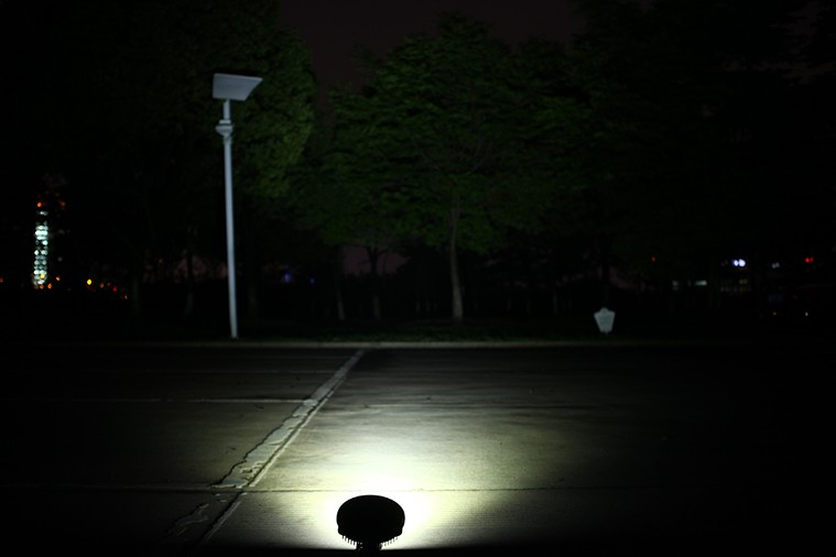 36w作業灯点灯写真